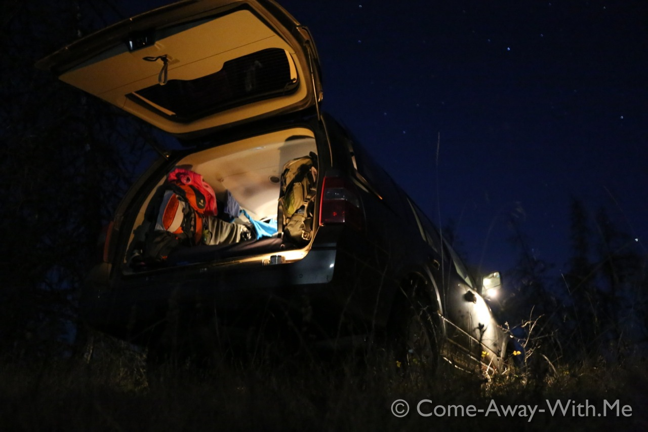 Camping-car under the stars
