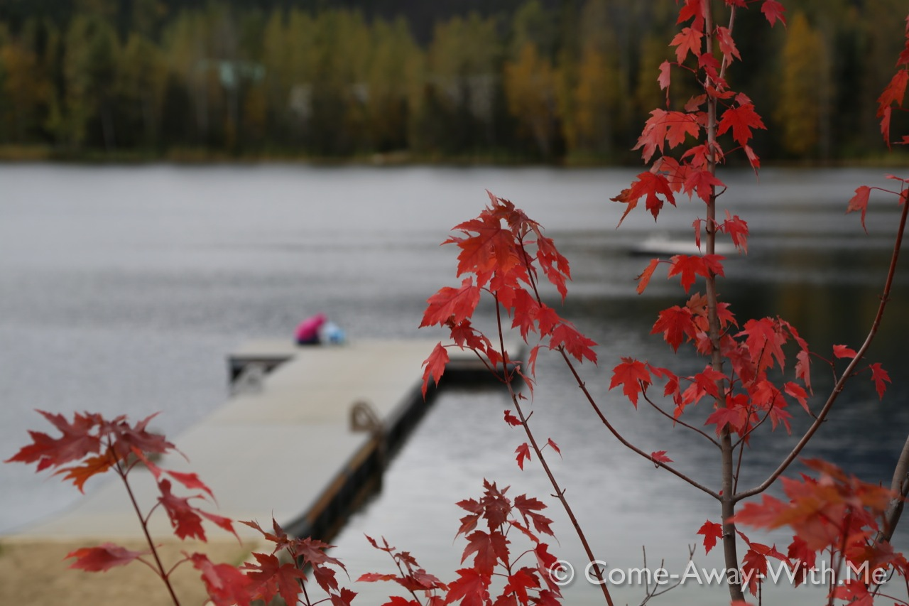Lake, red leafs, Canada!